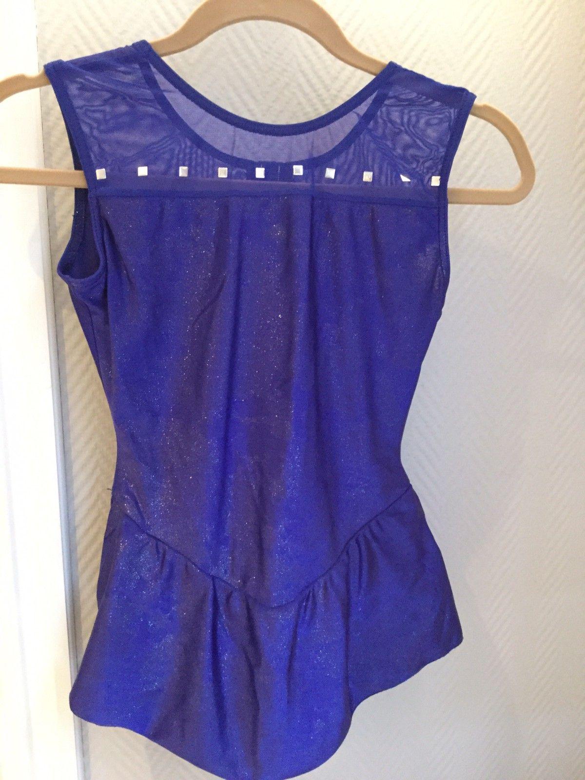 Kunstløp kjoler til salgs