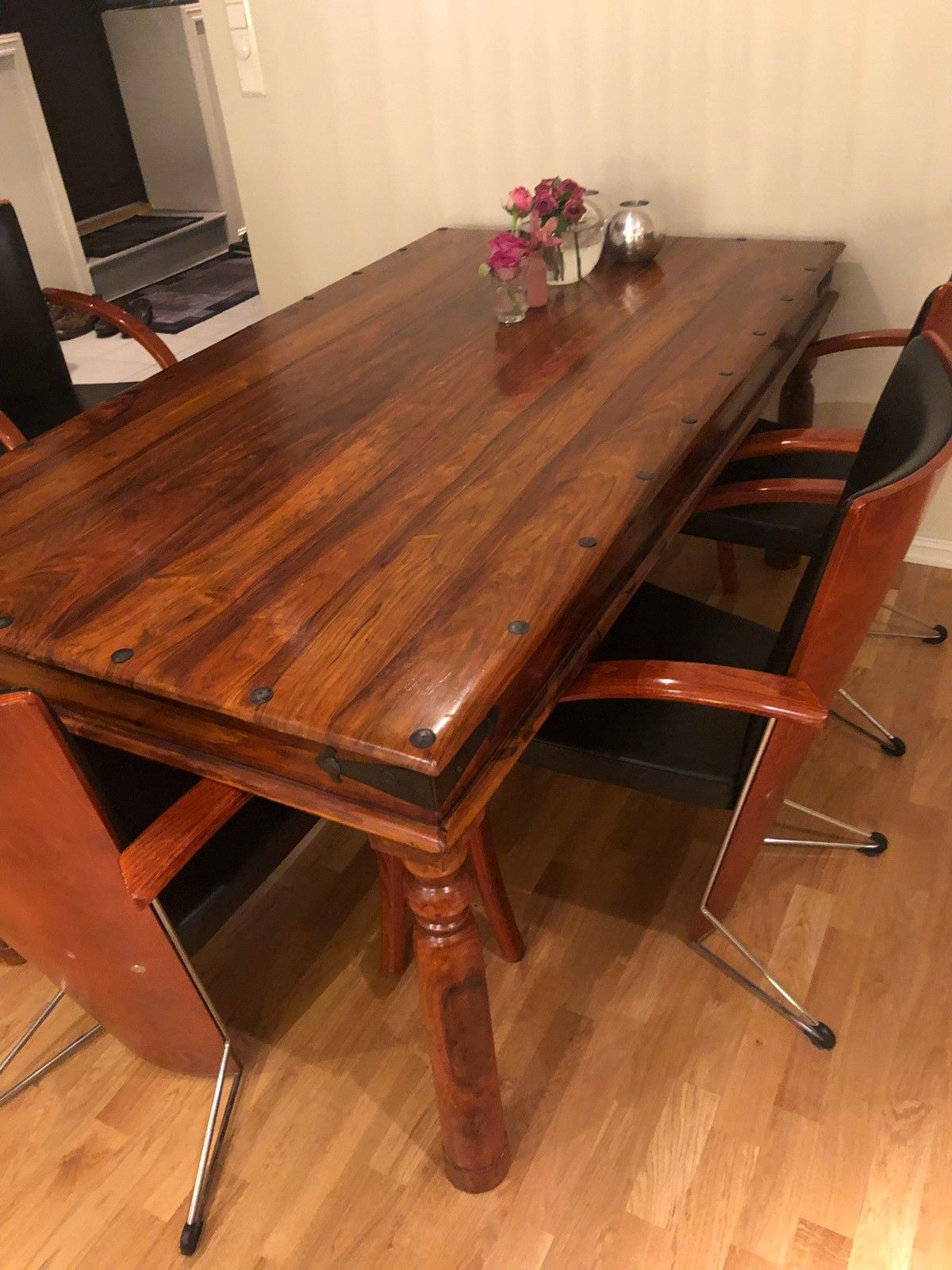Bombay Spisebord Med 6 Stoler Mobler Og Interior Bord Og