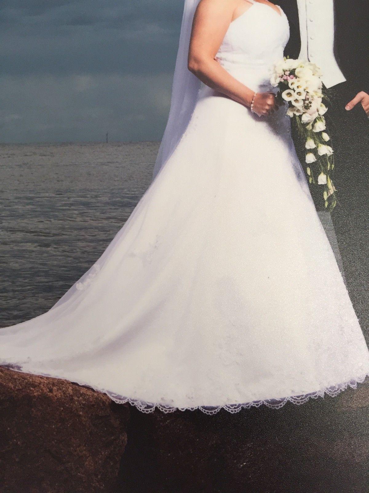 fbf35b5addb8 Ny pris!! Nydelig brudekjole fra Agape!