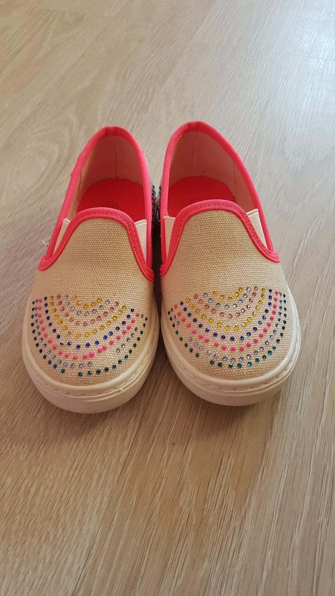 67ba2f70035 Fine sko til jente i str. 27 selges | FINN.no