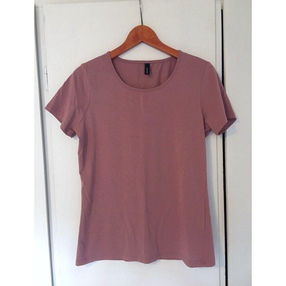 Soya Concept t skjorte (3FOR2)   FINN.no