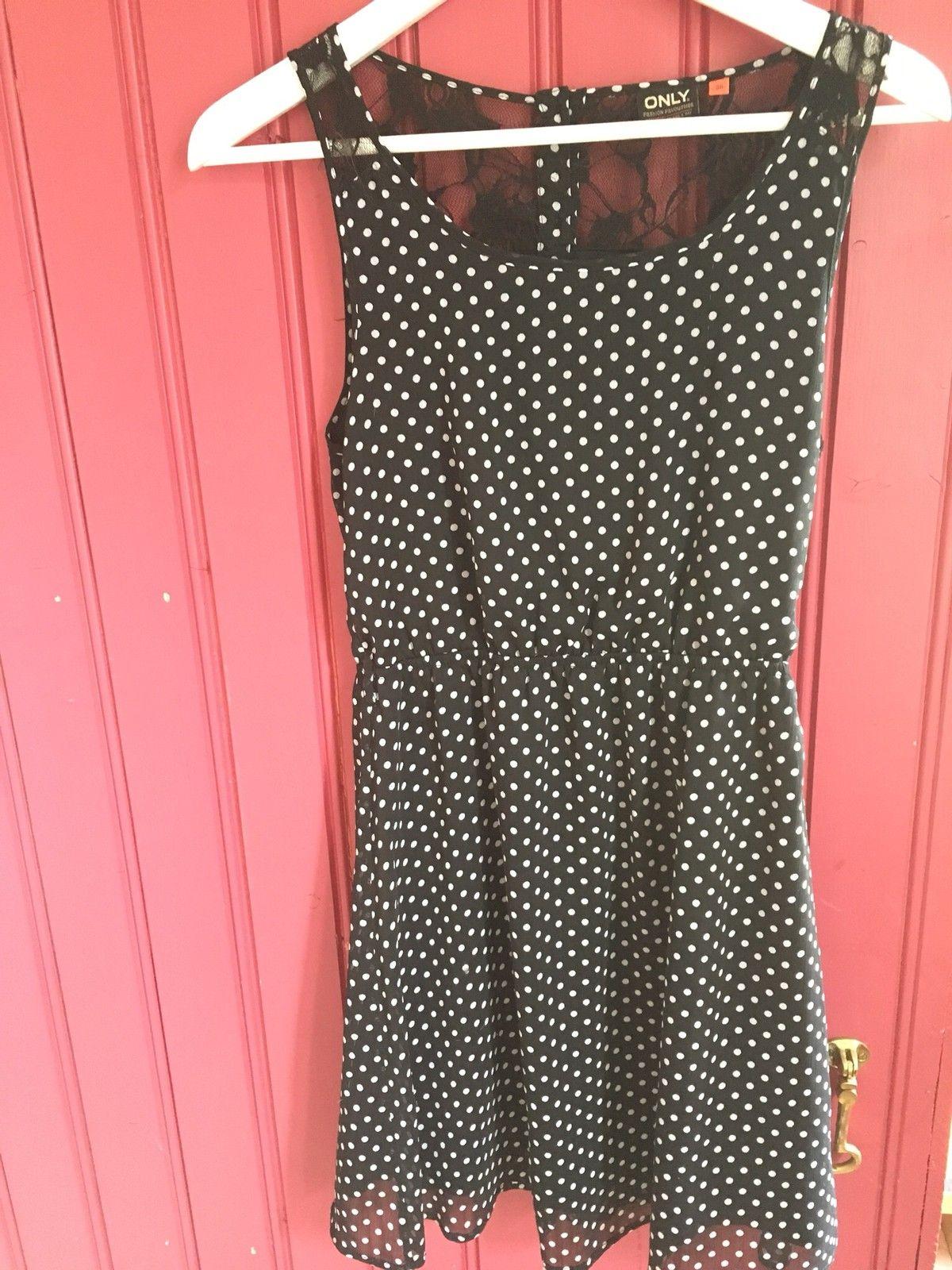 bff4f3df Klespakke ca jente. Fine kjoler og bukser | FINN.no