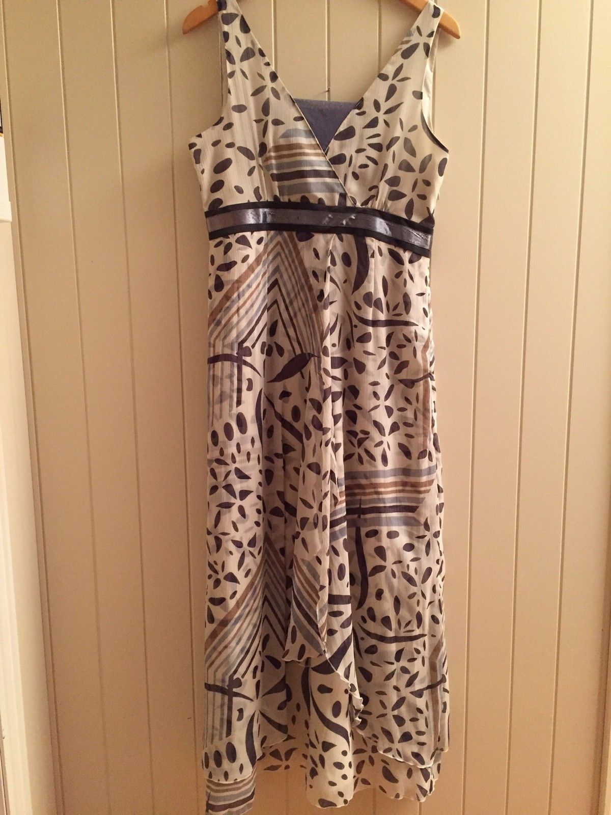 00af5532 Fin kjole ti 17 mai med ubrukt Tara jakke | FINN.no