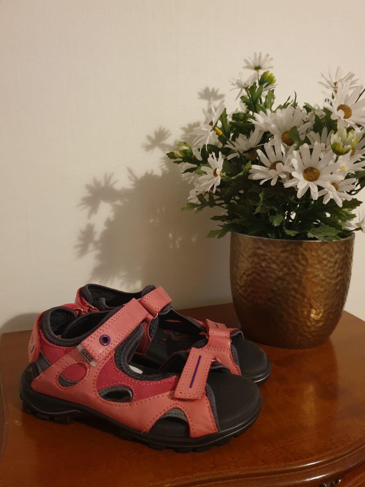 8d04960f4c0 Ecco sandaler str 31   FINN.no