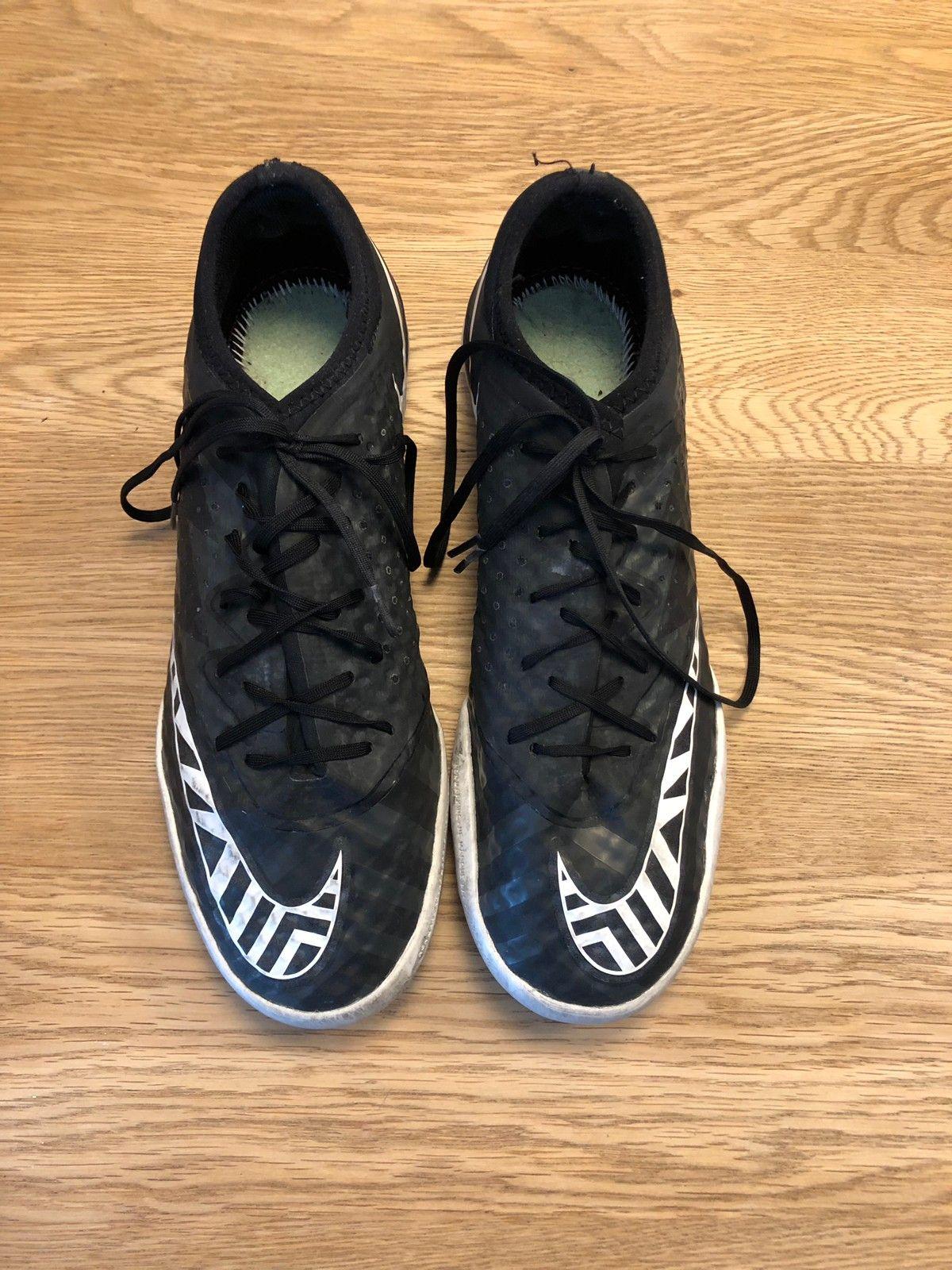 Adidas sko, str 38 23 (små i størrelsen!), pent brukt   FINN.no