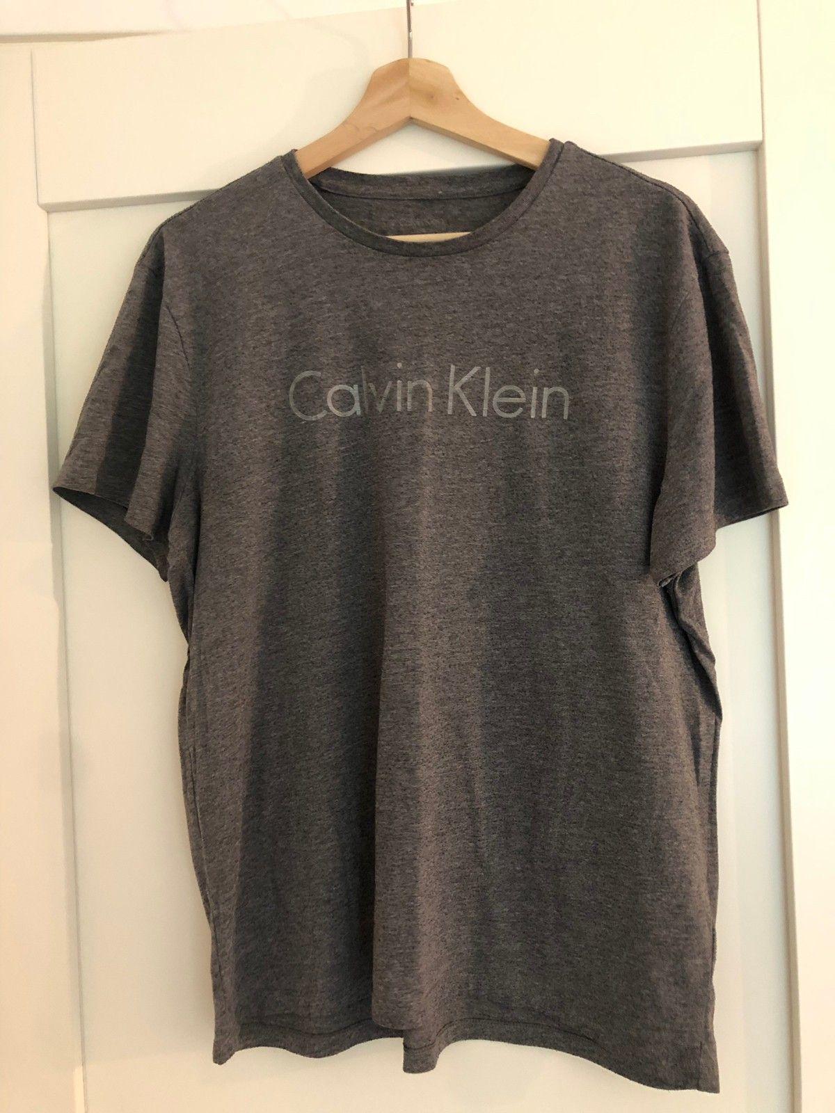 88737723 Calvin Klein T-skjorte herremodell | FINN.no