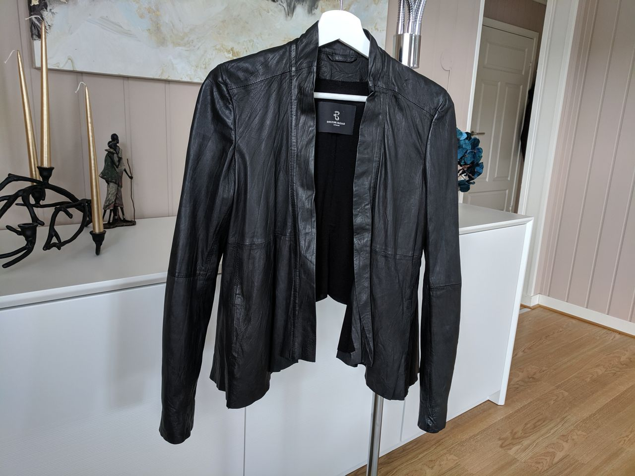 Som ny Bruuns Bazaar skinnjakke selges | FINN.no
