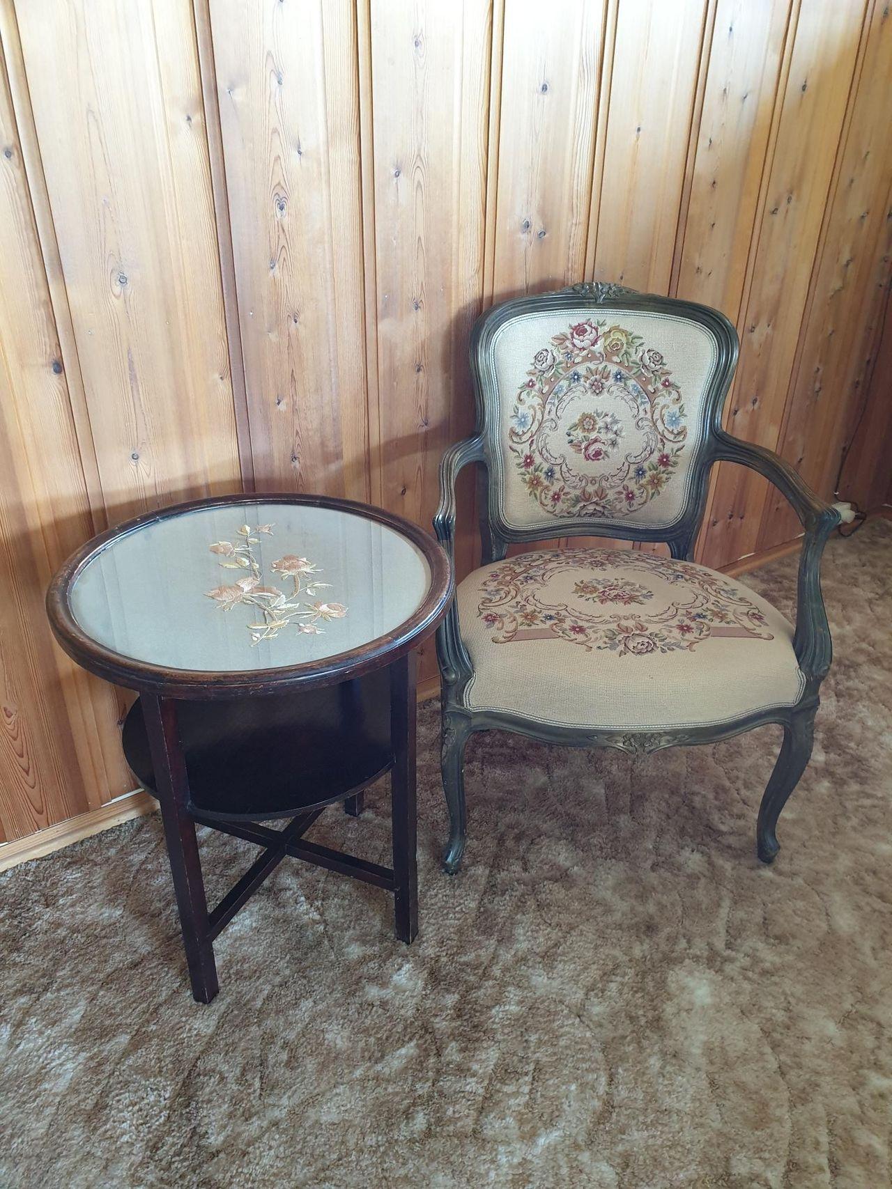 Nydelig brodert stol | FINN.no