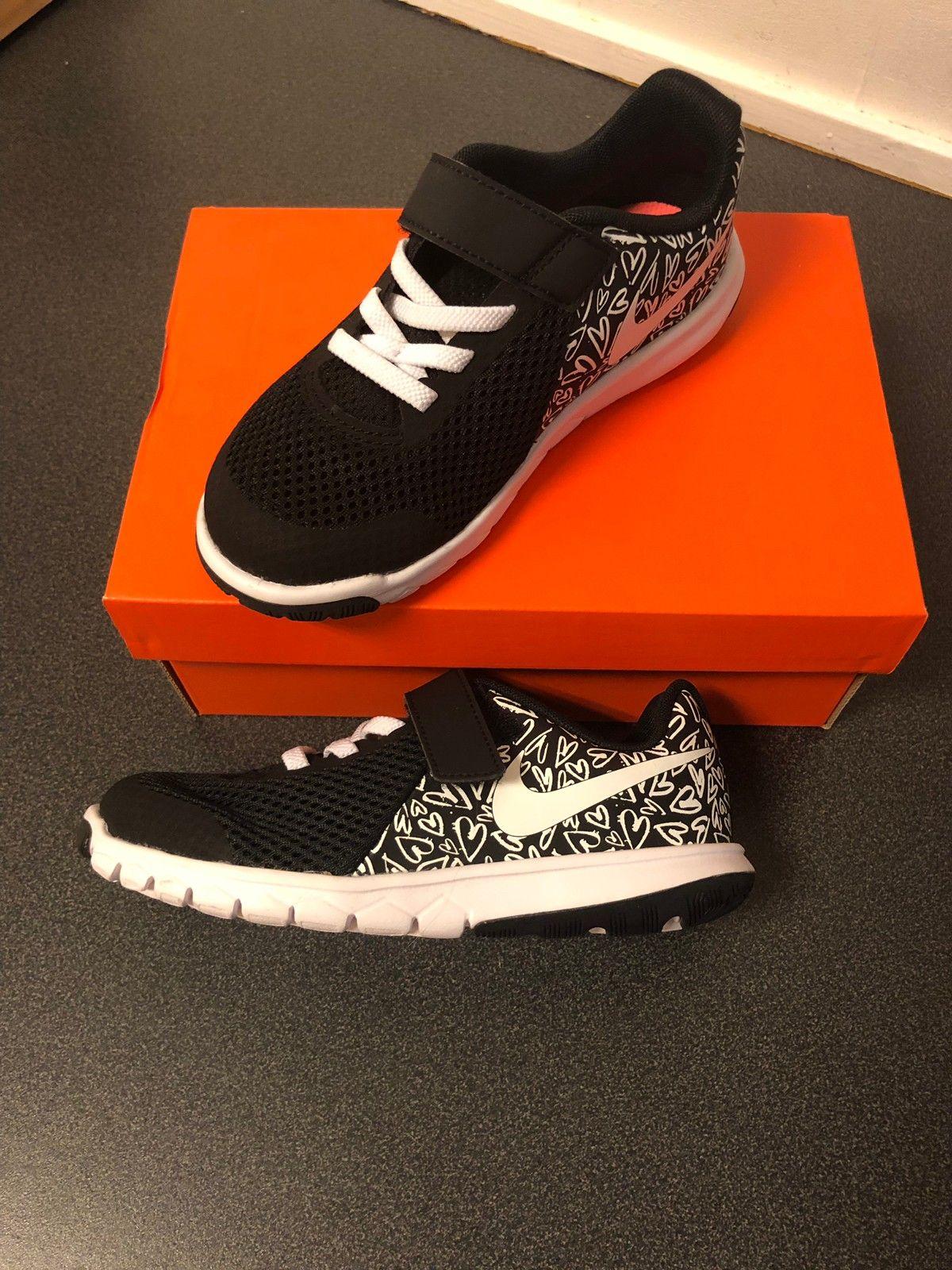 Helt nye Nike i str. 28 | FINN.no