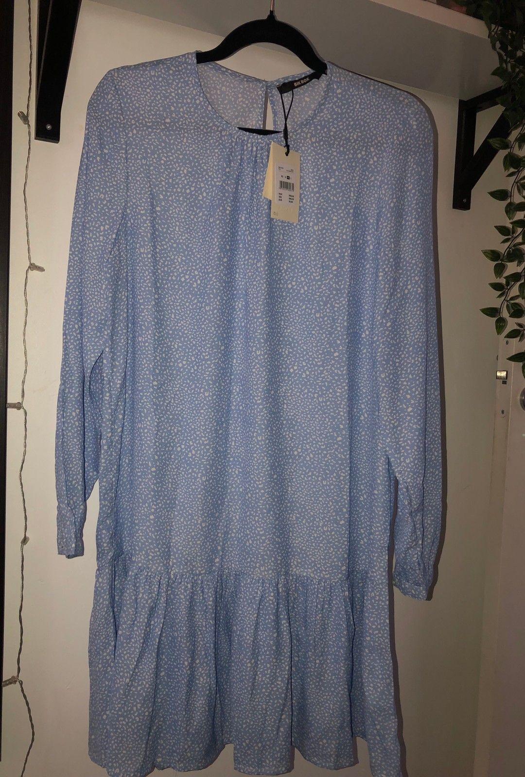 Blå kjole fra bik bok | FINN.no