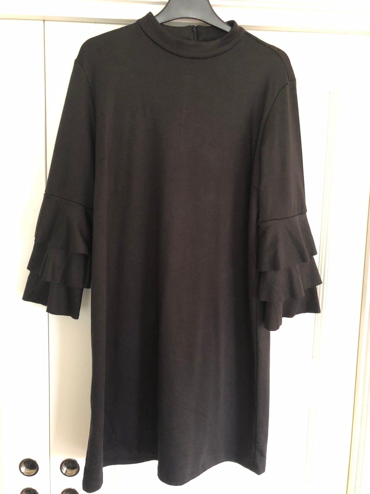 Sort kjole fra B Young   FINN.no