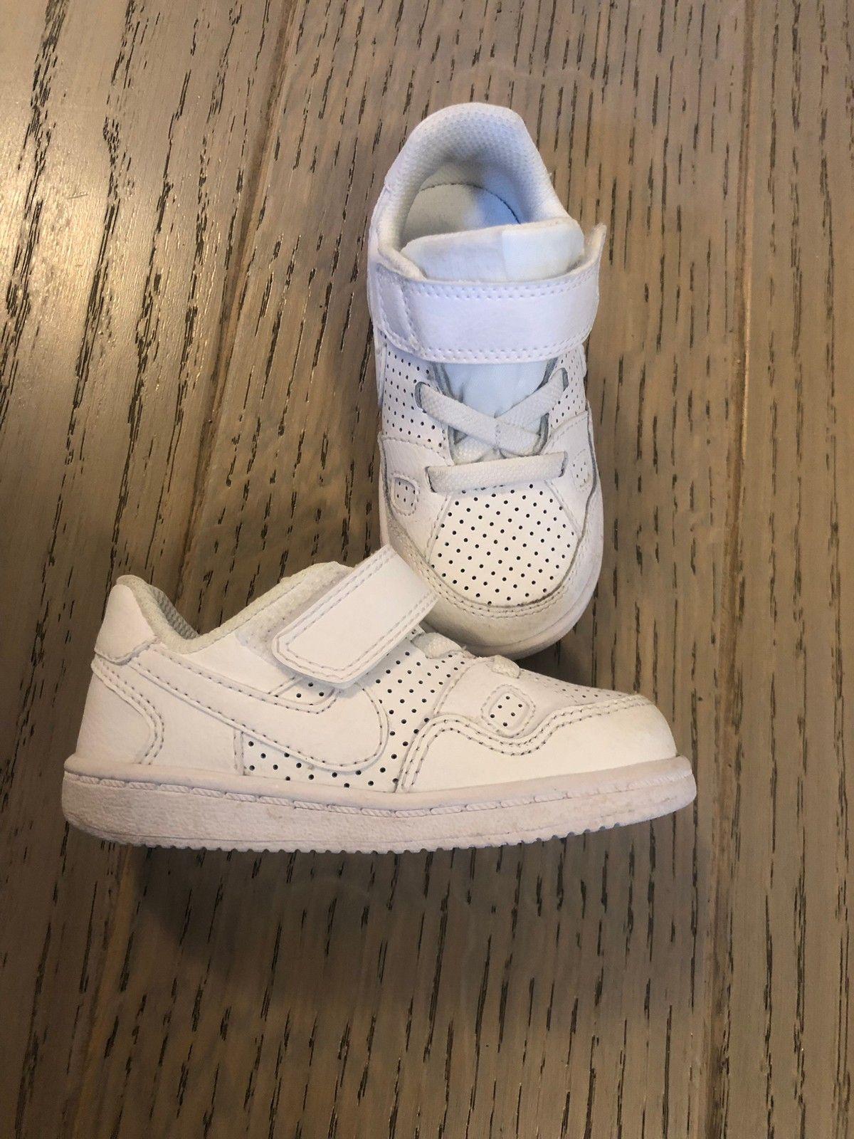 Hvite Nike sko str 22 | FINN.no