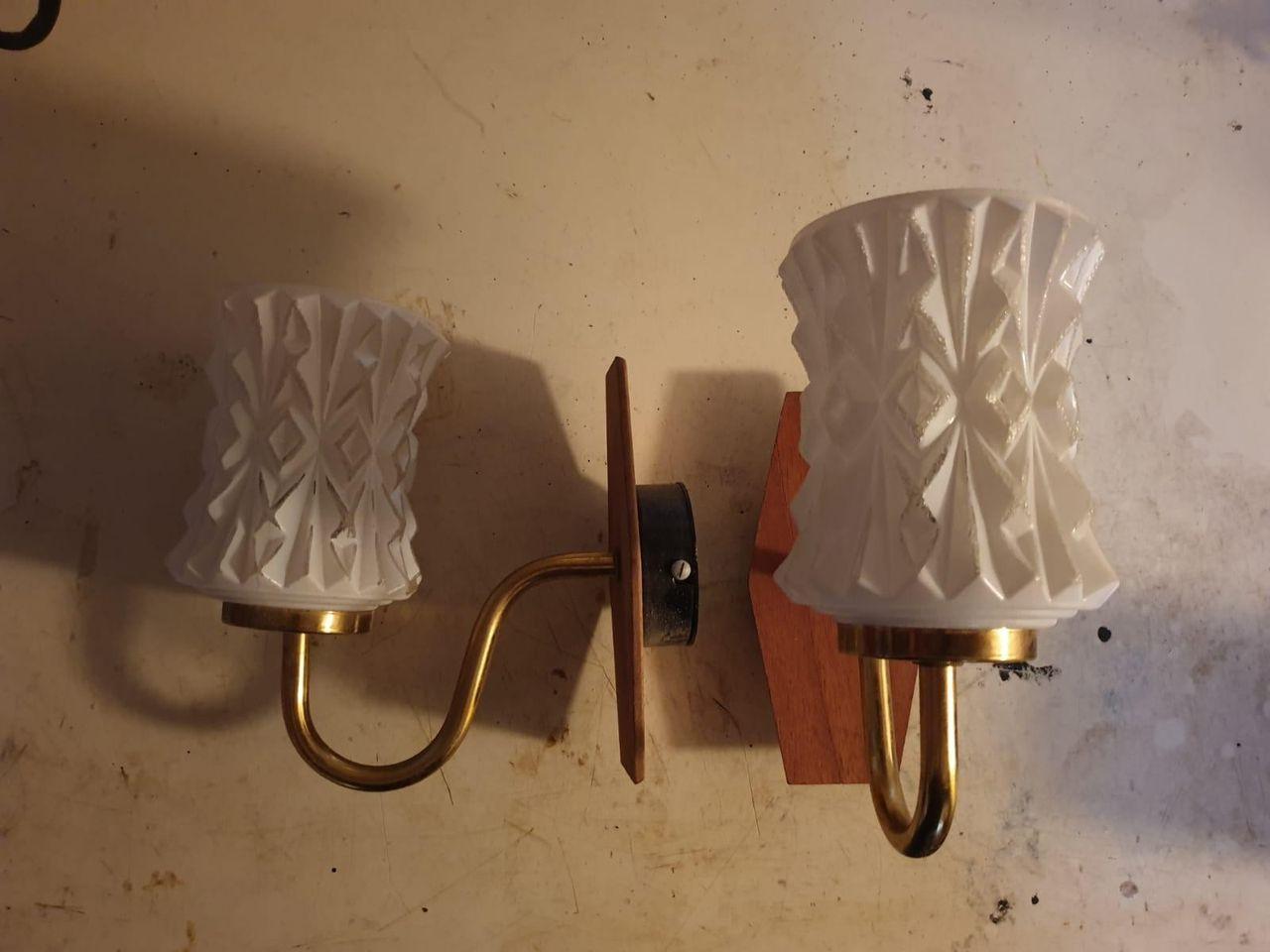 Retro lampett i teak med plastskjermer Epla