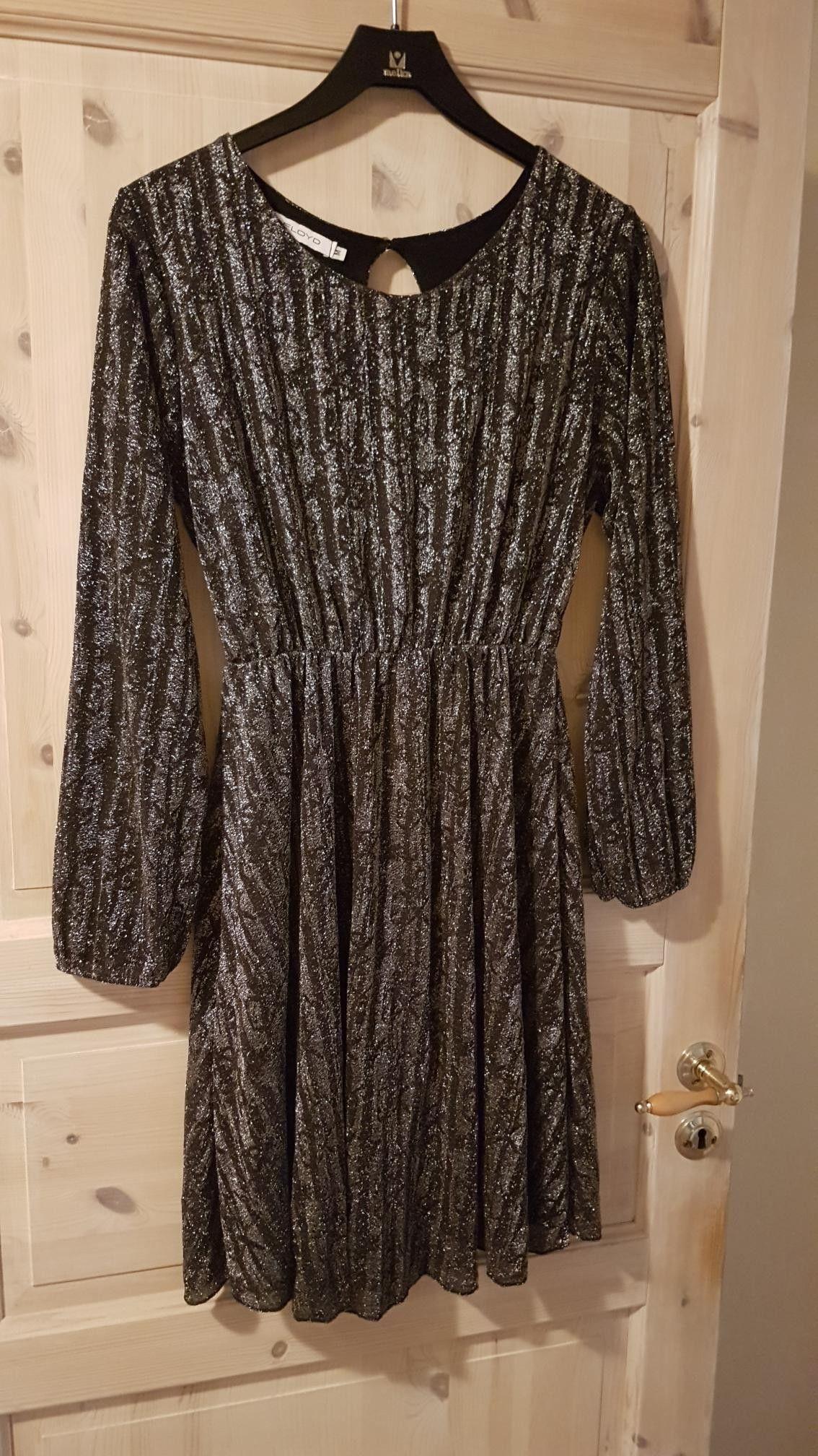 Ny Floyd kjole | FINN.no