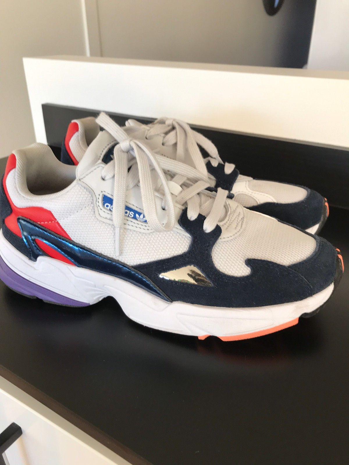 Adidas Falcon størrelse 40   FINN.no