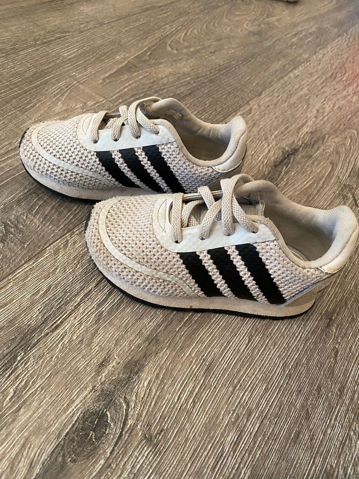 Adidas sko str 22 | FINN.no
