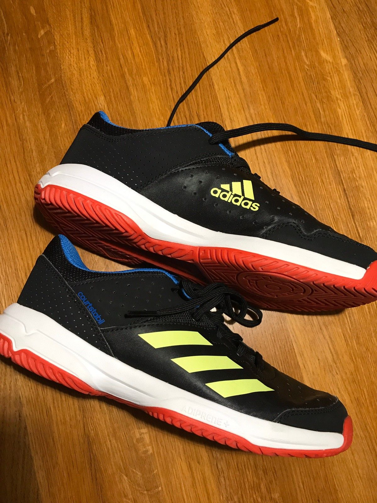 Adidas basketball sko str 40 selges rimelig | FINN.no