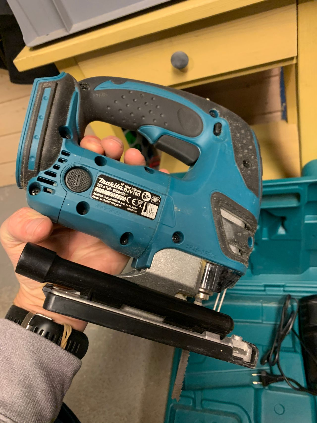 18 Volt batteri, kasse og lader selges   FINN.no