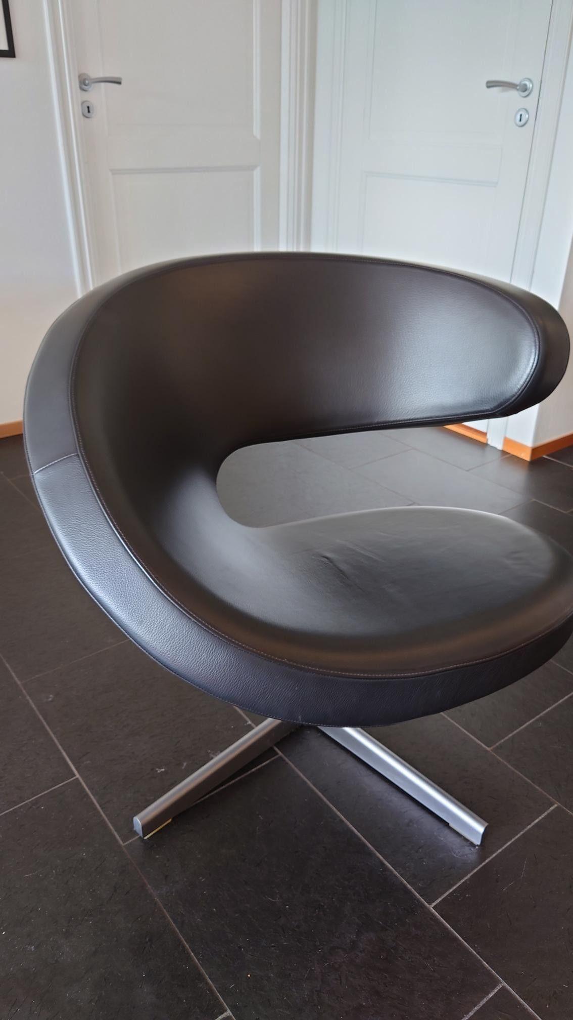 Design stol i sort skinn | FINN.no