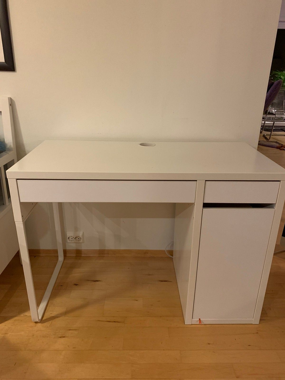 Skrivebord micke Kjøpe, selge og utveksle annonser finn