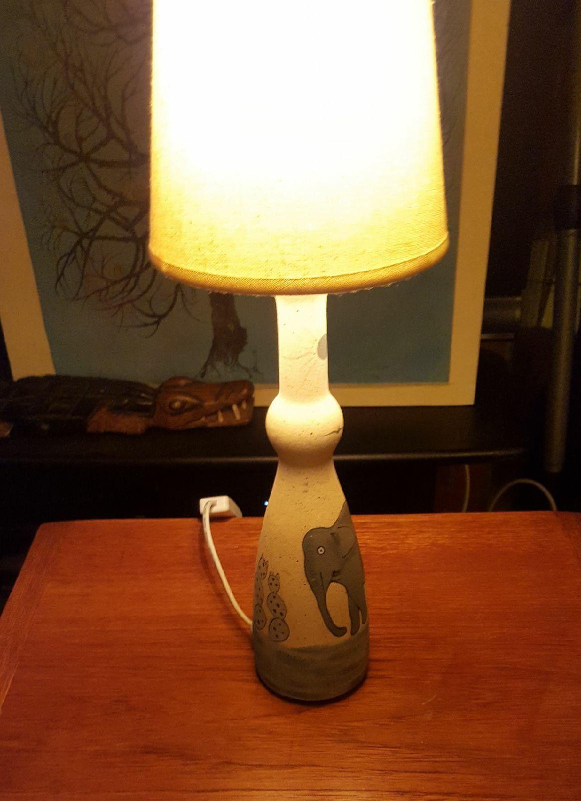 K FAB SCANDINAVIA Elegant Bordlampe med Elefant Motif | FINN.no