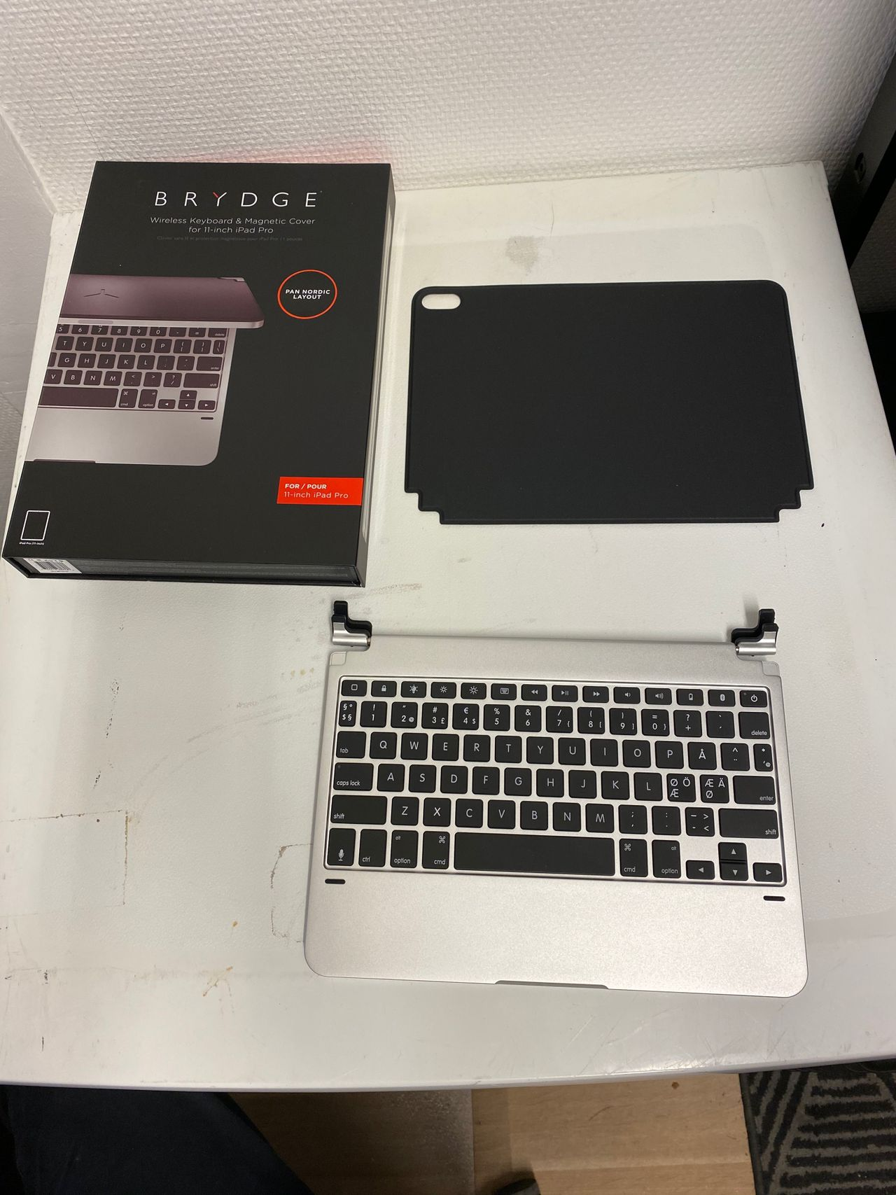 Brydge iPad Pro 11 Keyboard, Silver Tastatur og stylus