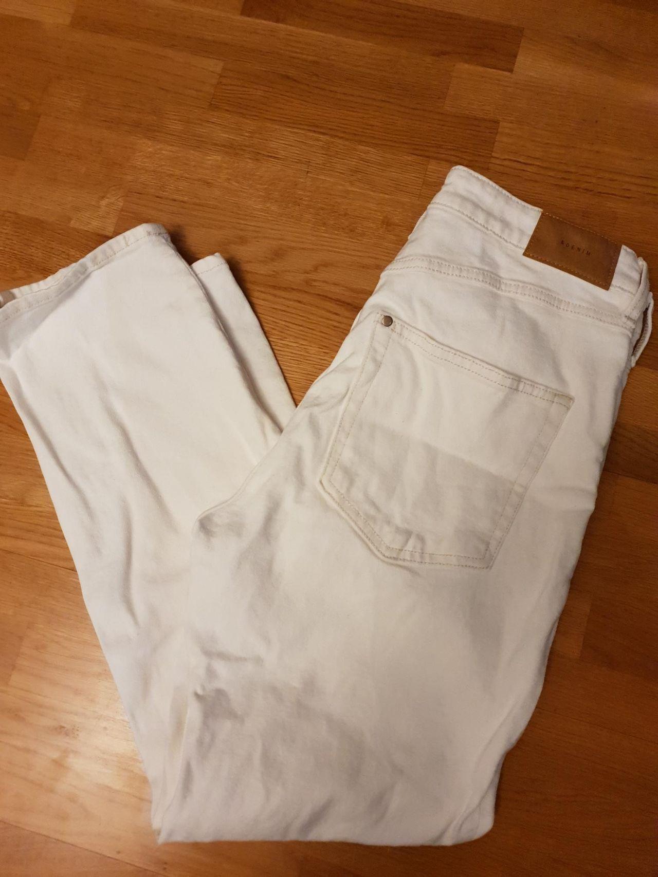 Hvit bukse i størrelse 40 fra H&M | FINN.no