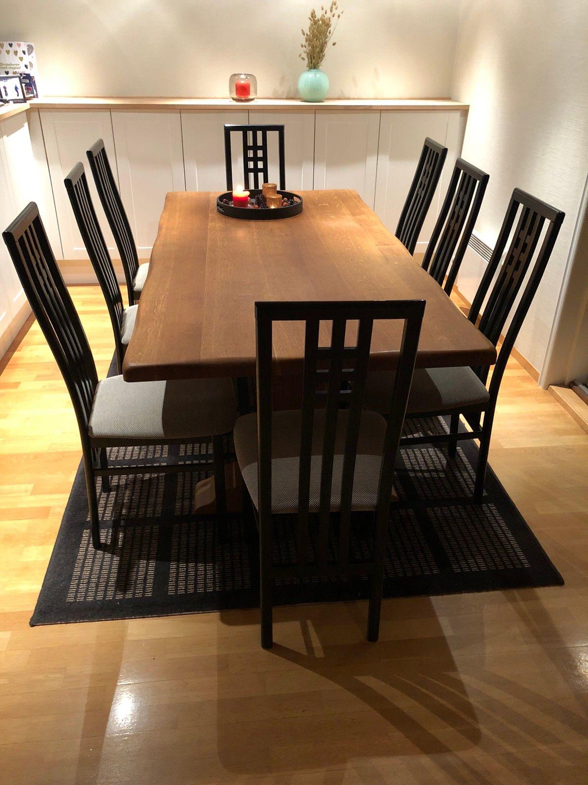 Picture of: Spisebord Med 8 Stoler