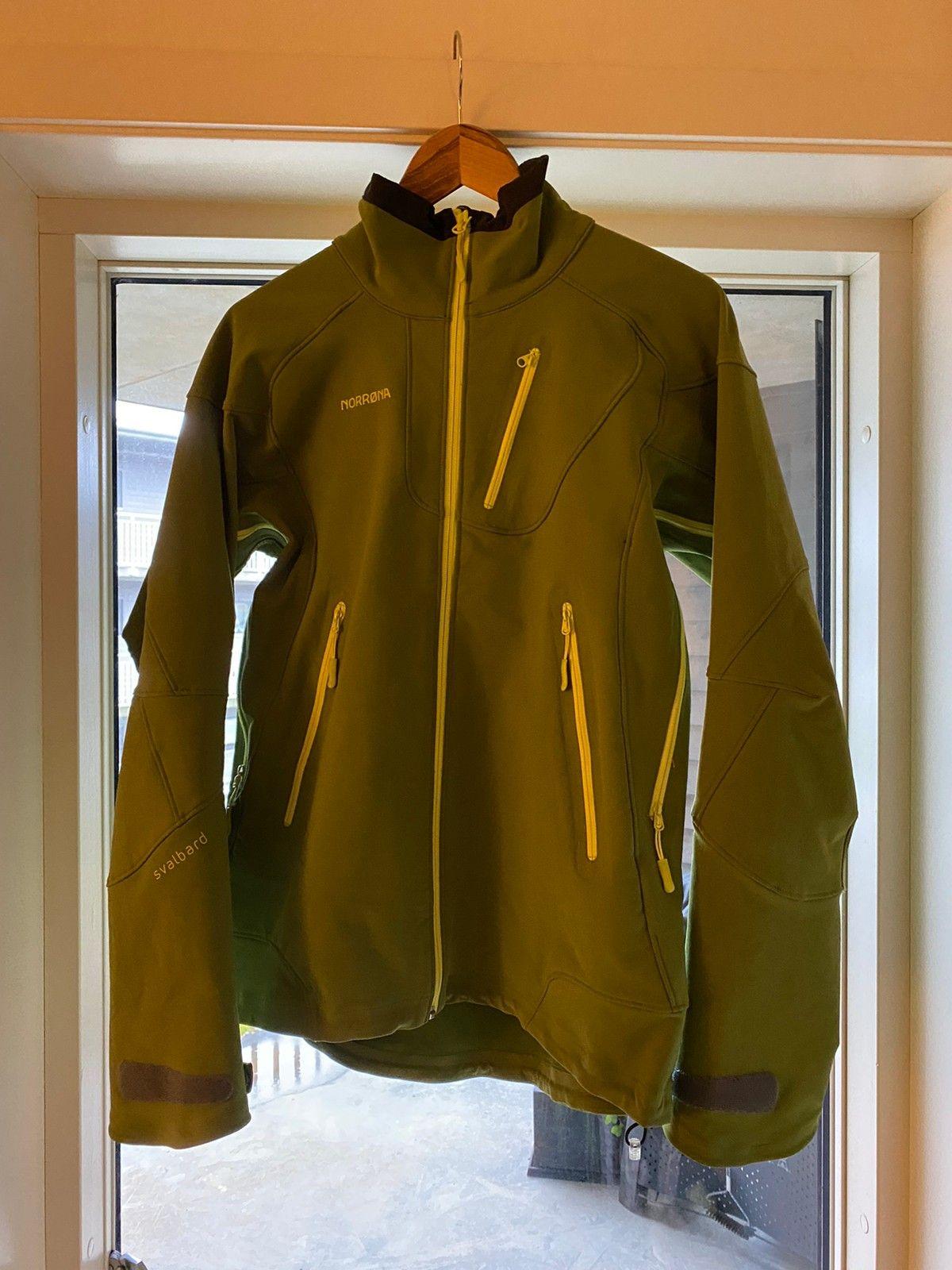 Nesten ikke brukt norrøna jakke | FINN.no