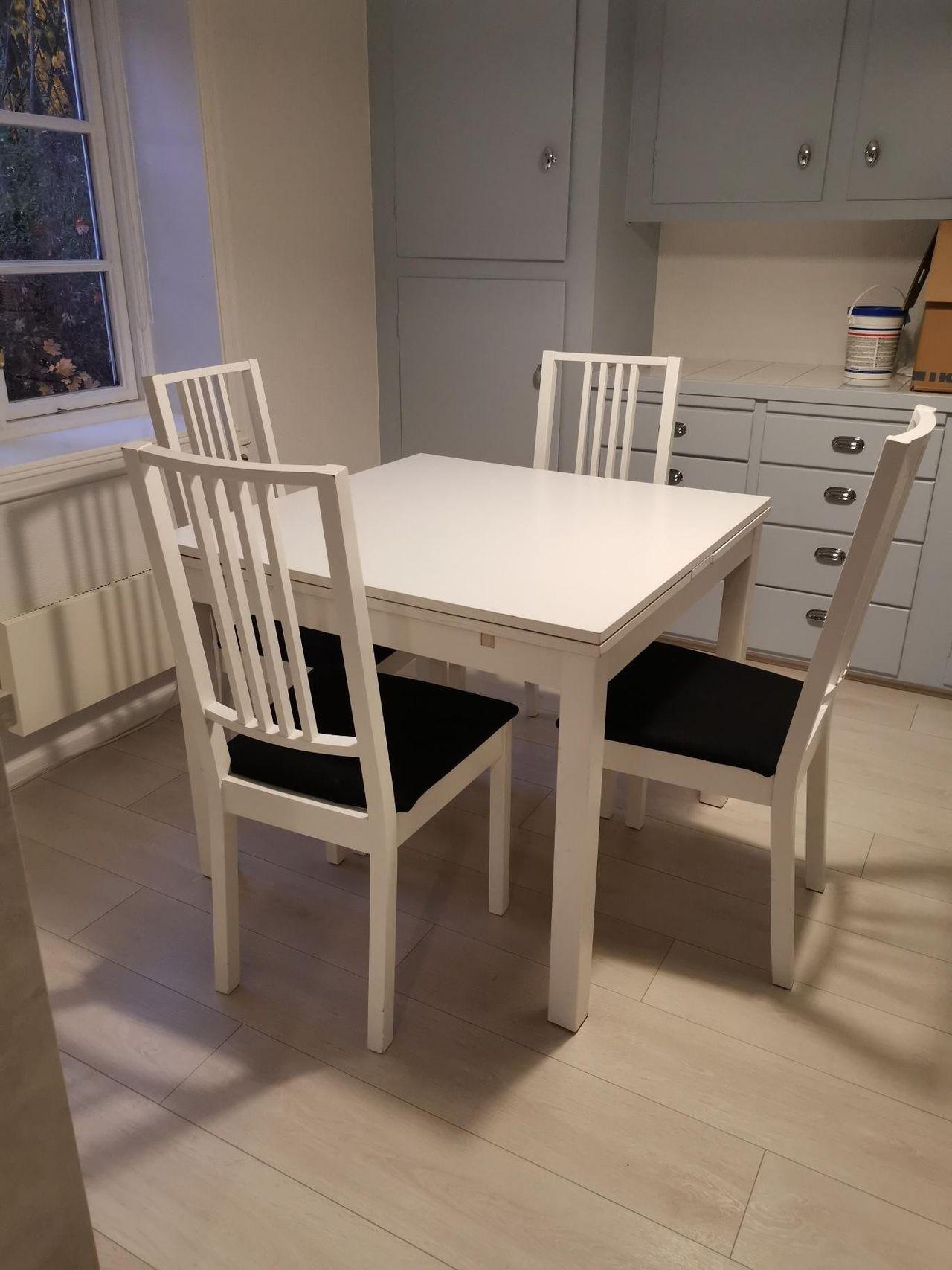 Pent brukt spisebord med stoler Kjøpe, selge og utveksle