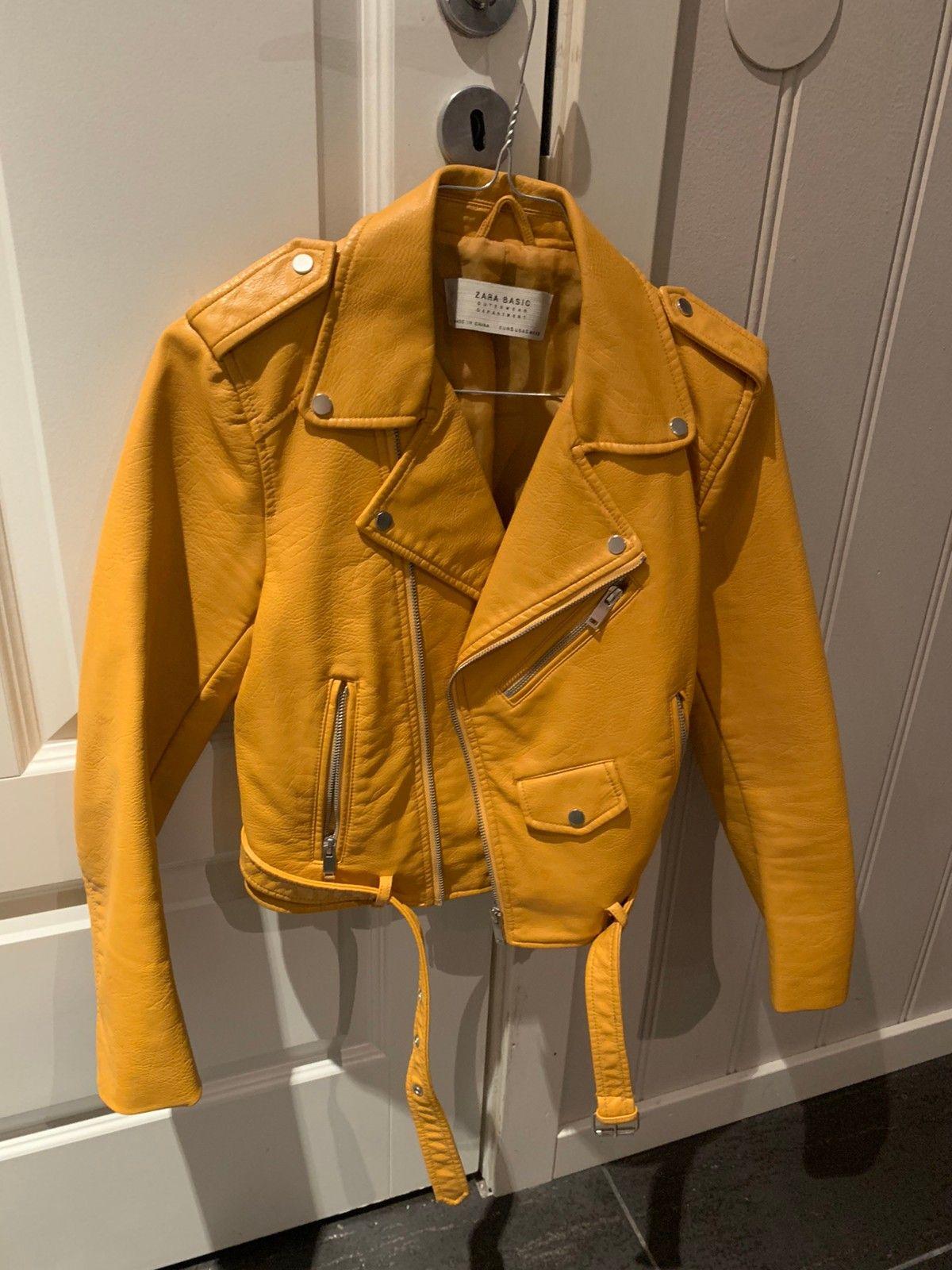 Gul skinnjakke fra Zara str XS | FINN.no