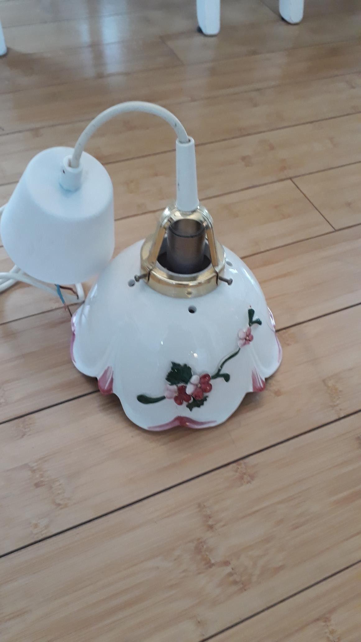 Liten lampe til vindunattbord | FINN.no
