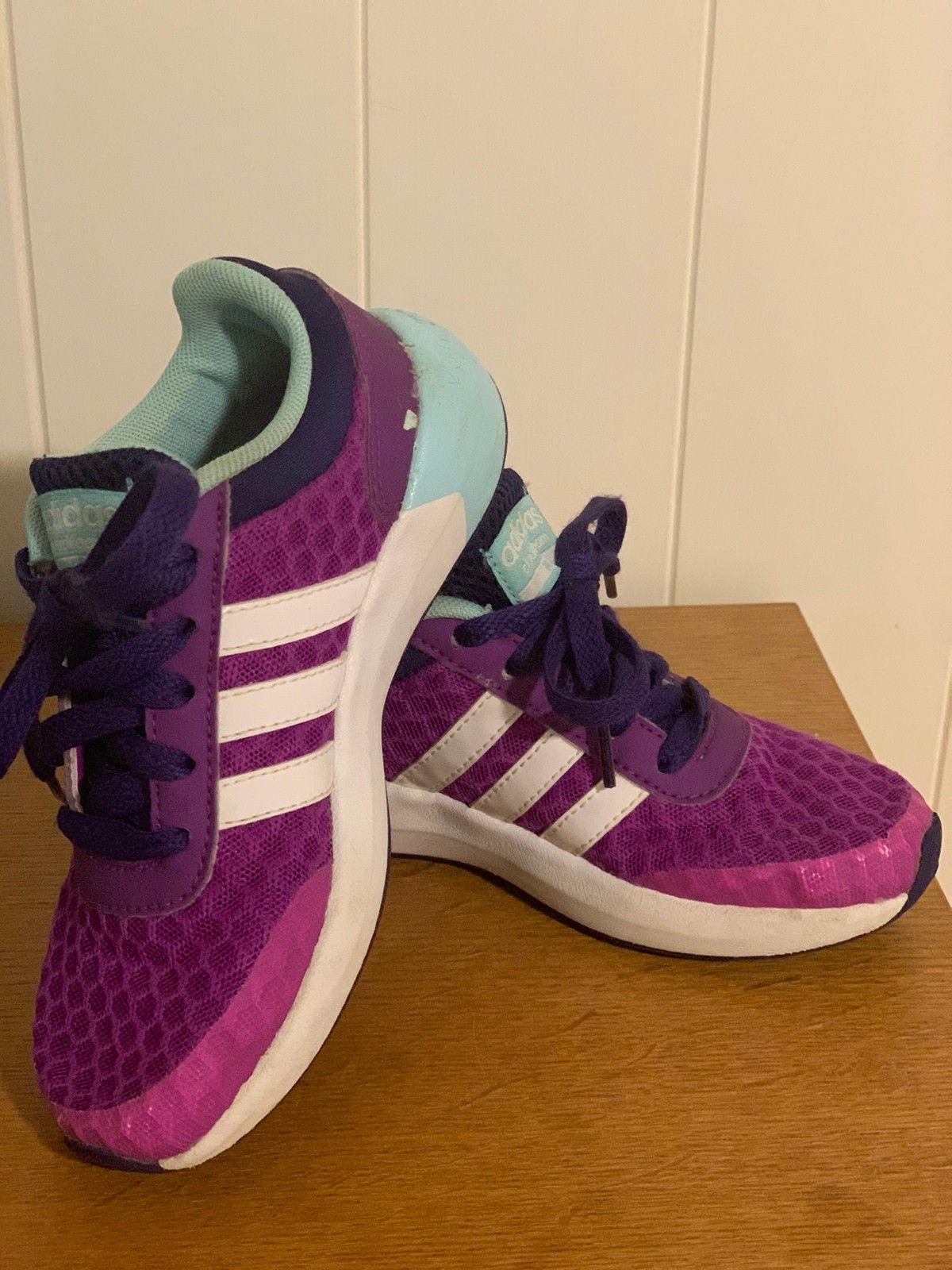 Adidas jente sko størrelse 28 | FINN.no