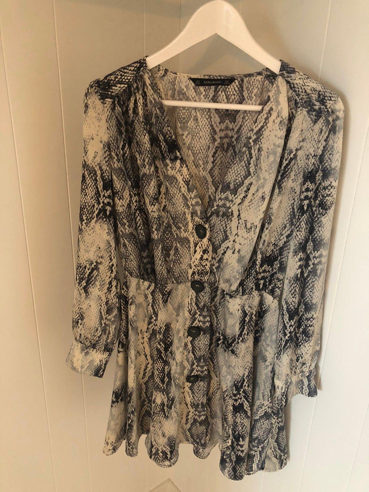 Bluse Zara Basic. Ubrukt.   FINN.no