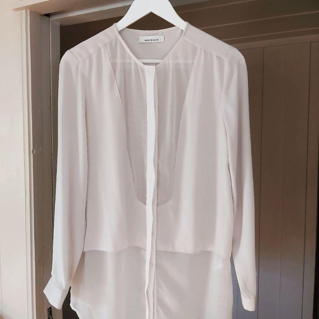 Hvit bluse fra Floyd.   FINN.no