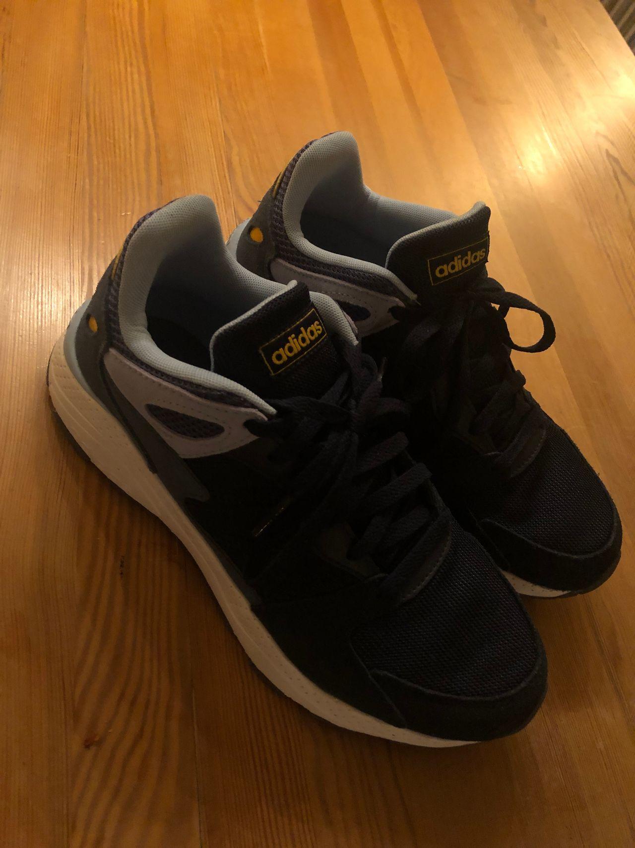 Adidas fritidssko   FINN.no