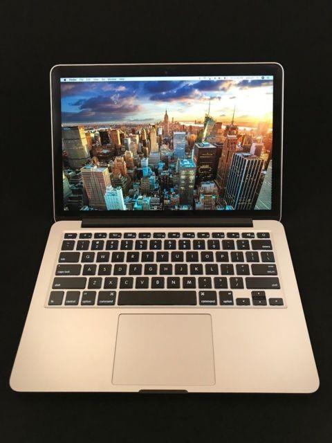 MacBook Air 13, kjøpt høst 2014 .Nytt batteri og lader.Pen