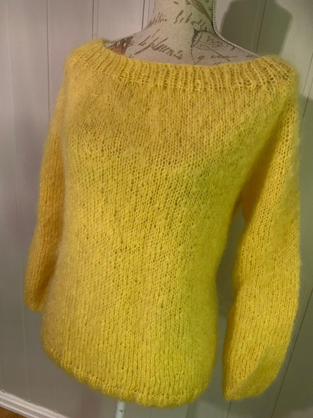Hjemme strikket genser | FINN.no