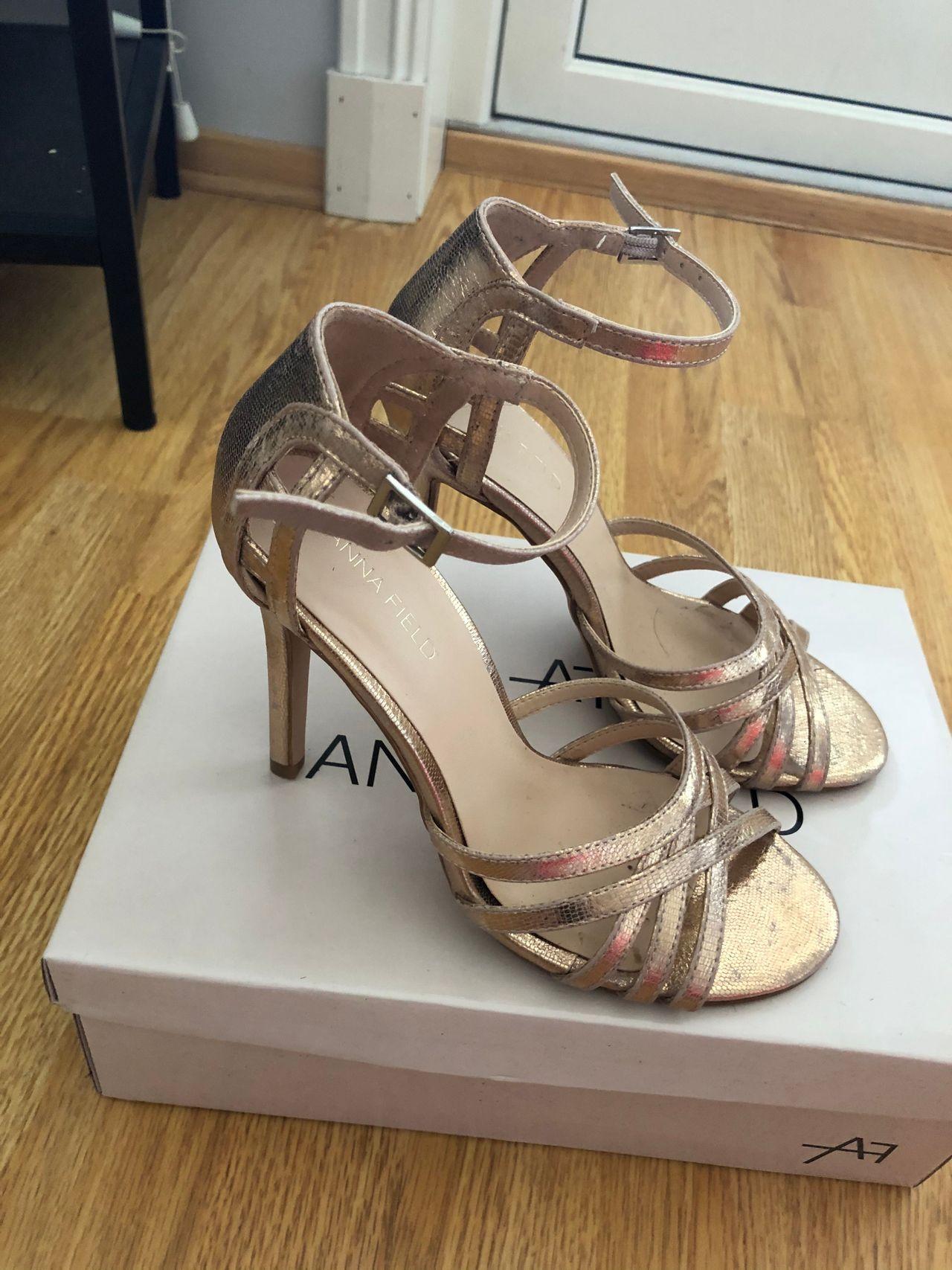 Rosegull sko fra Anna field 36 | FINN.no