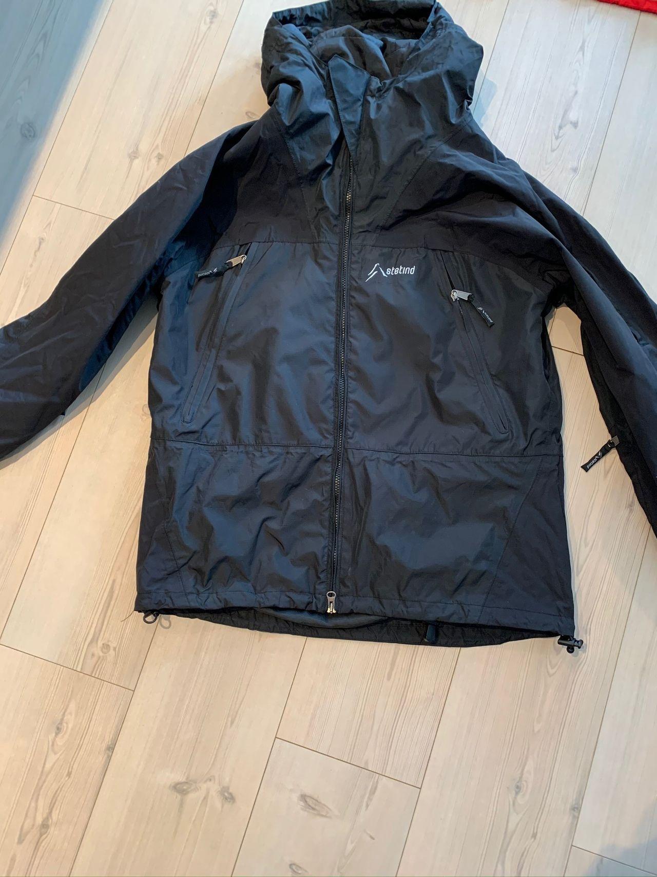 Stetind jakke sort Str L | FINN.no