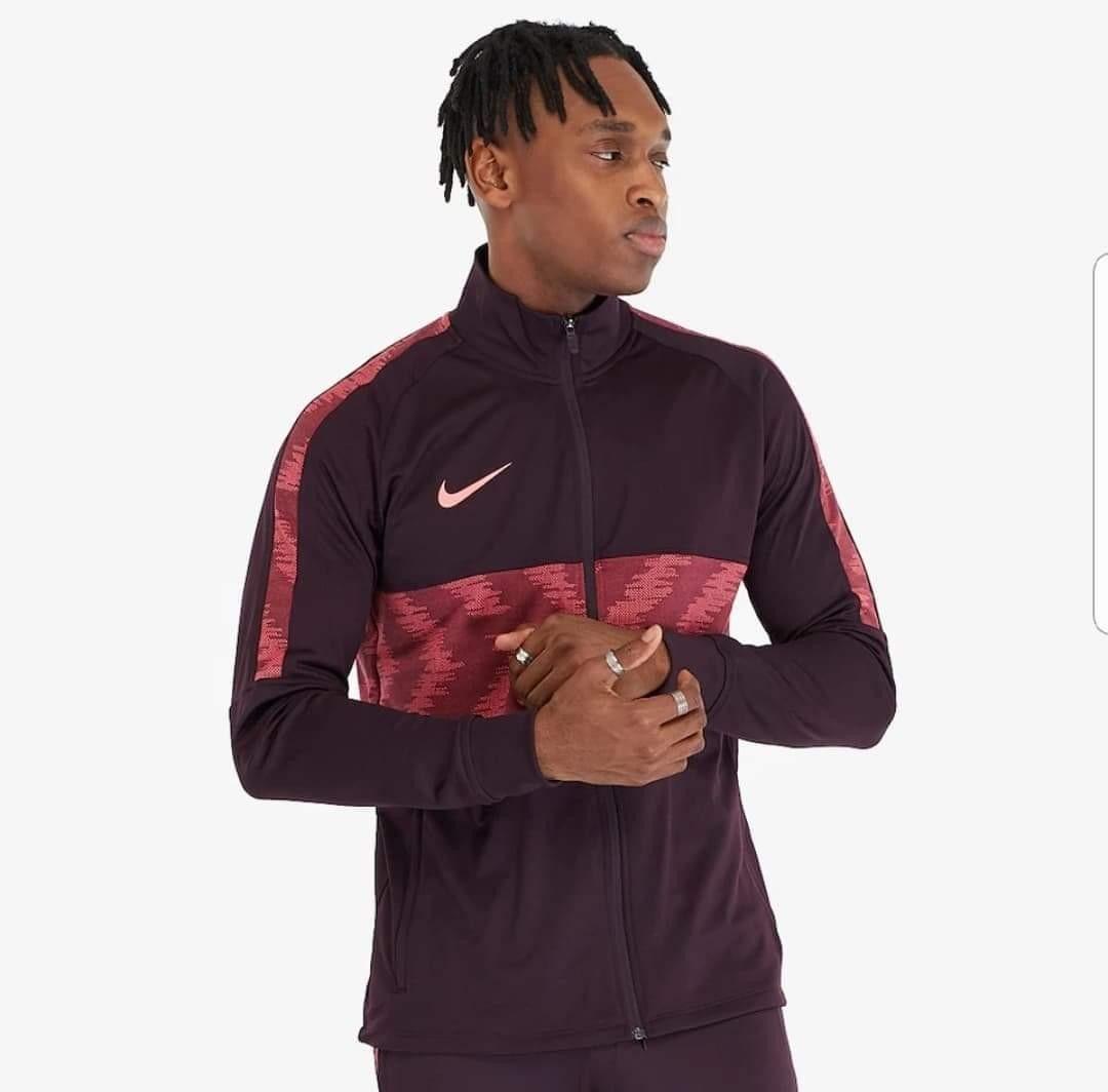 Nike performance jakkegenser | FINN.no
