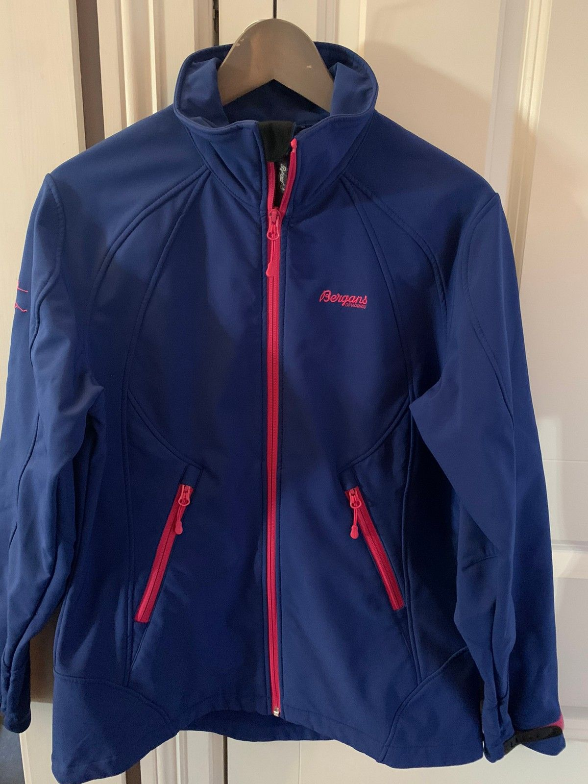 Bergans softshell jakke str 140   FINN.no