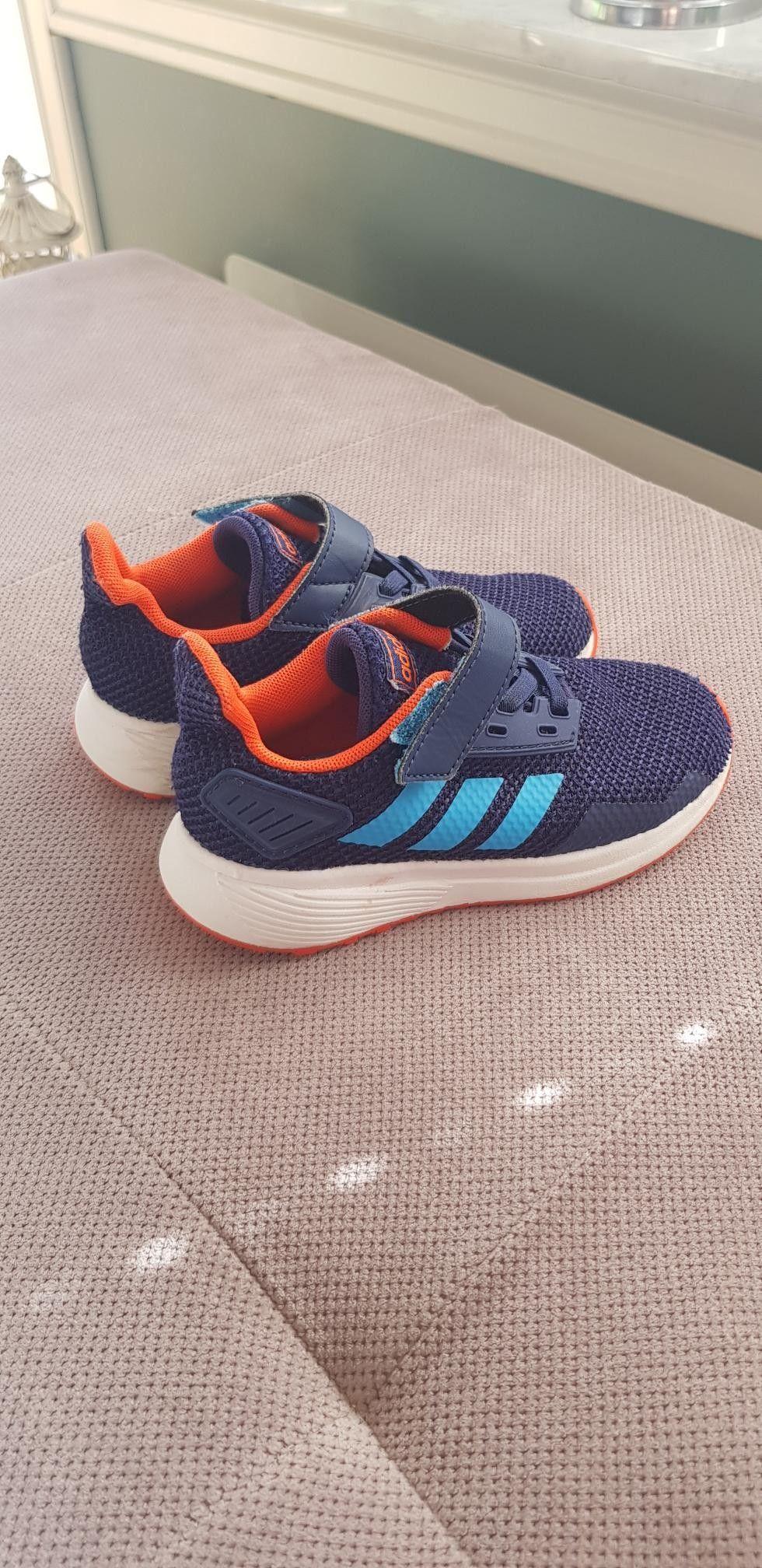 Adidas sko str 33 | FINN.no