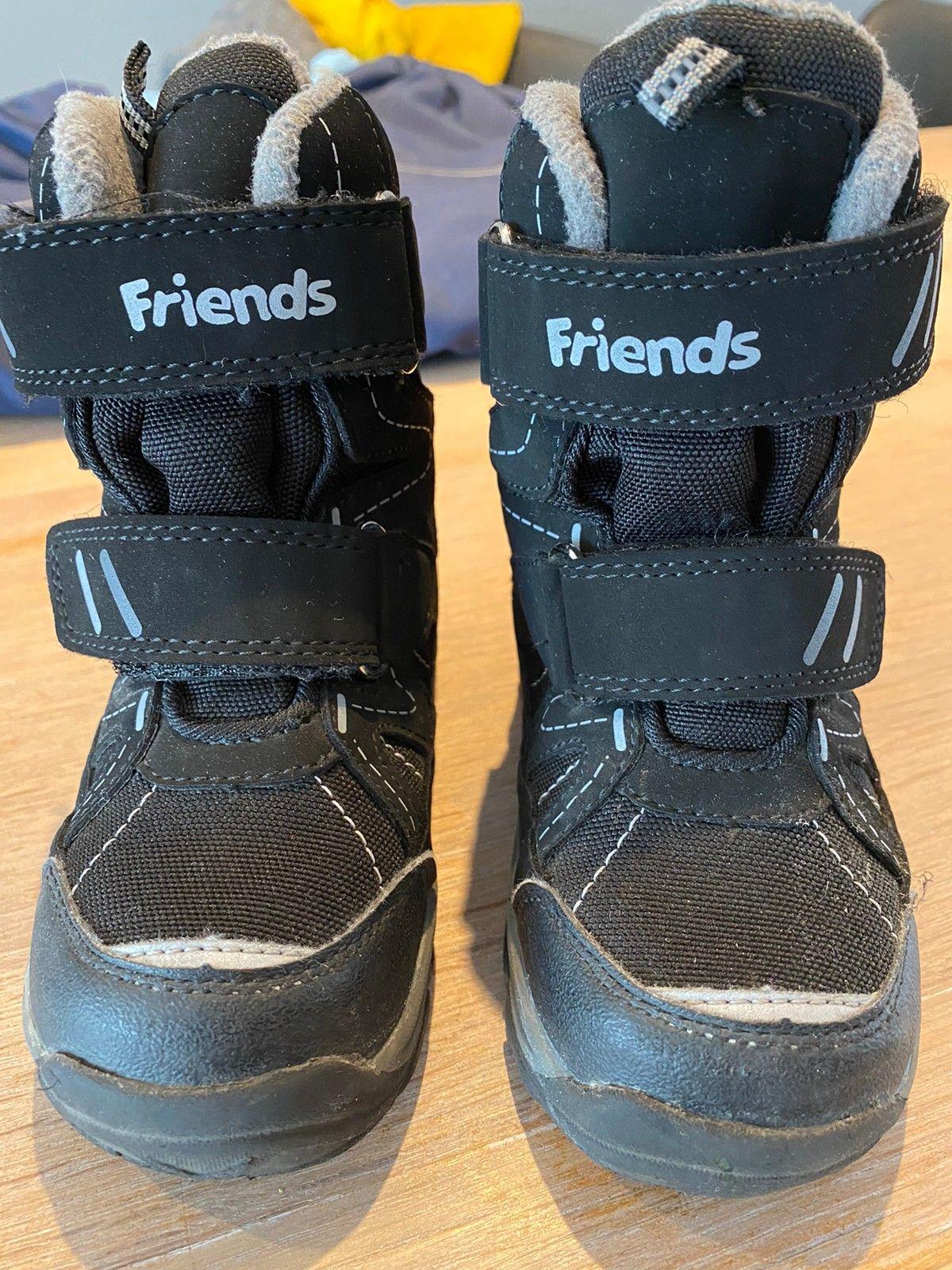 Barn sko og vinter støvler, fotballsko | FINN.no