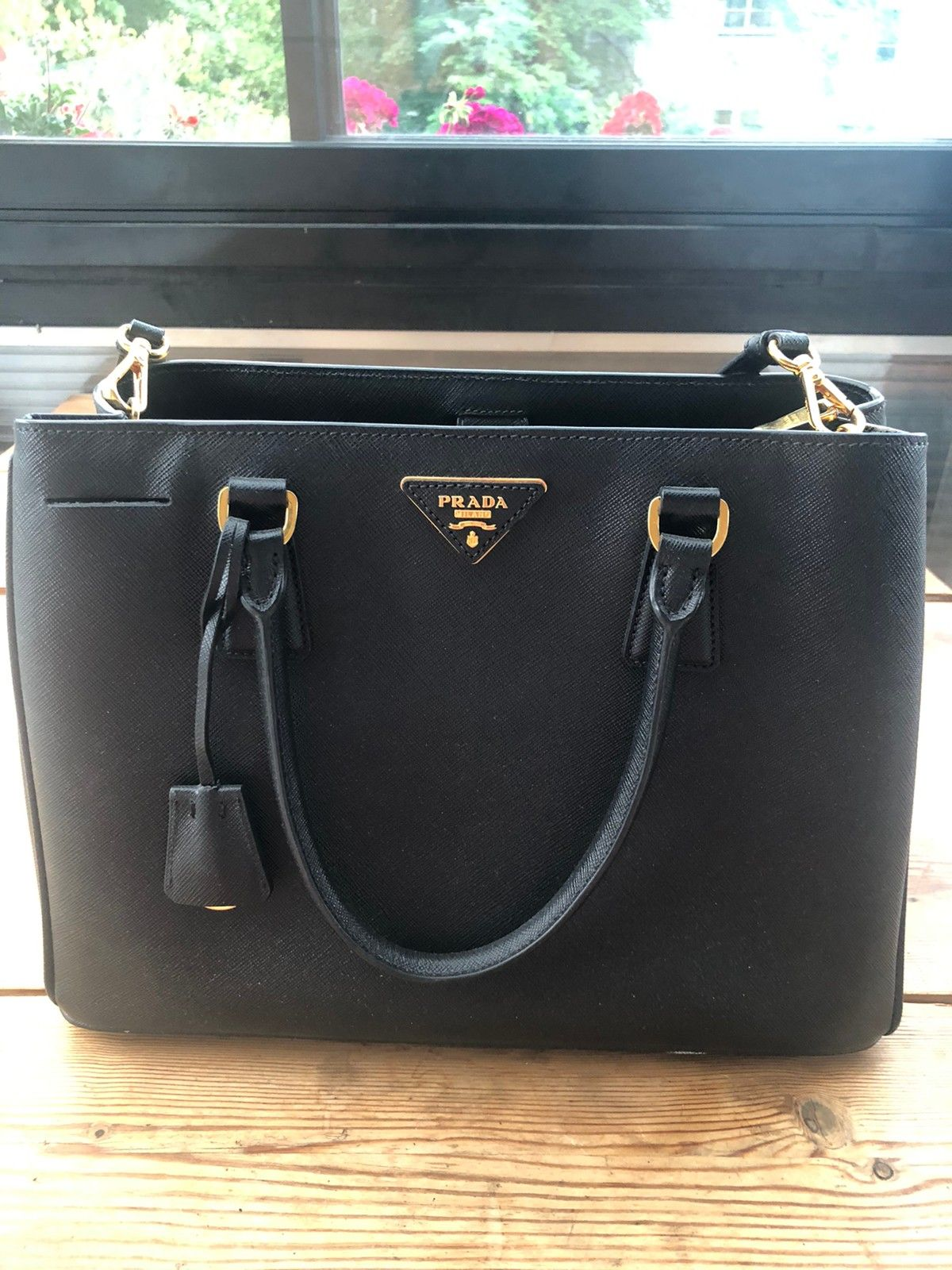 Prada Galleria Medium Saffiano veske | FINN.no
