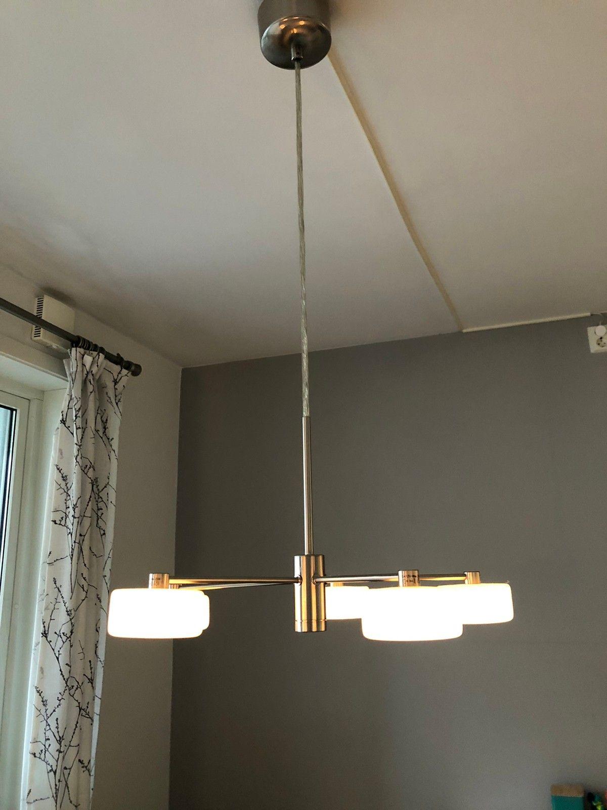 NY Arbeidslampe med dimmer og stor forstørrelsesglass | FINN.no