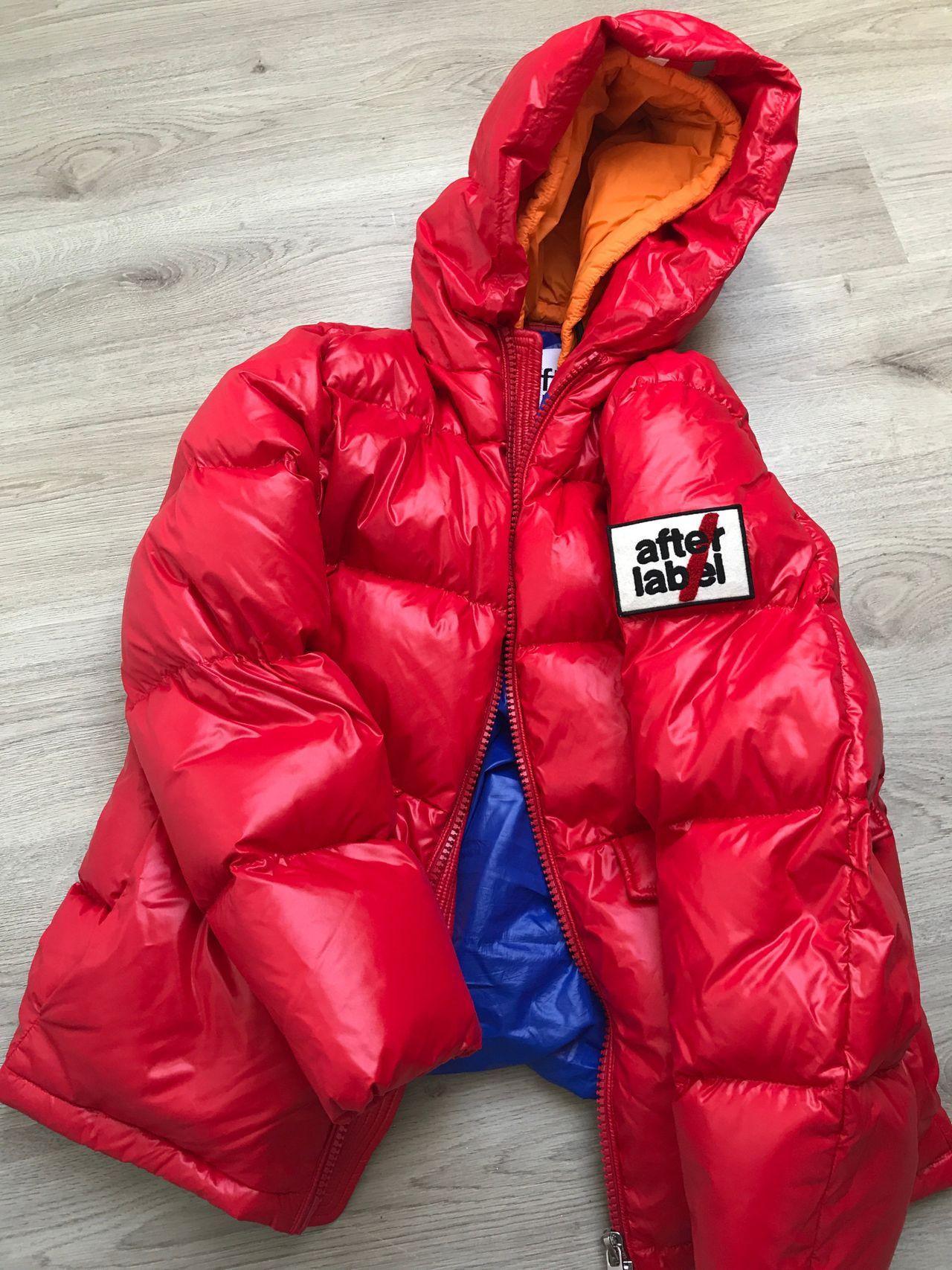 Helt ny After label jakke må bort</div>                             </div>               </div>       <div class=