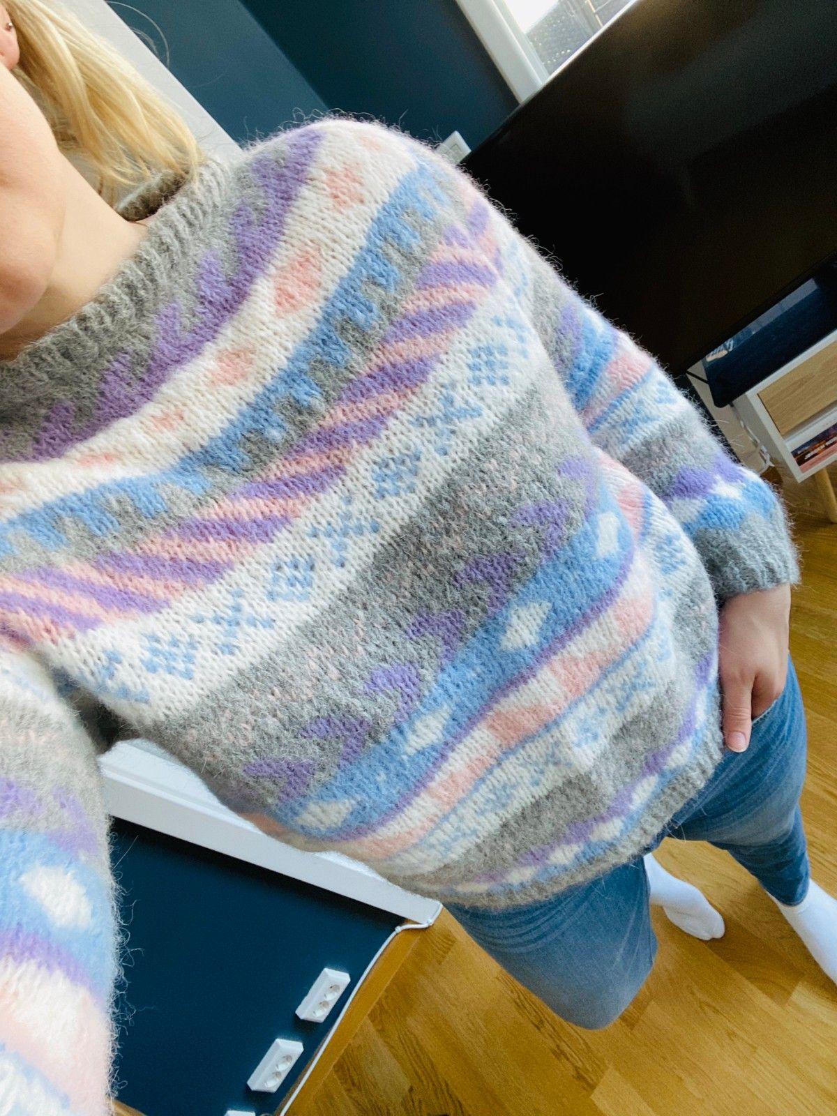 Retro hjemmestrikket genser | FINN.no