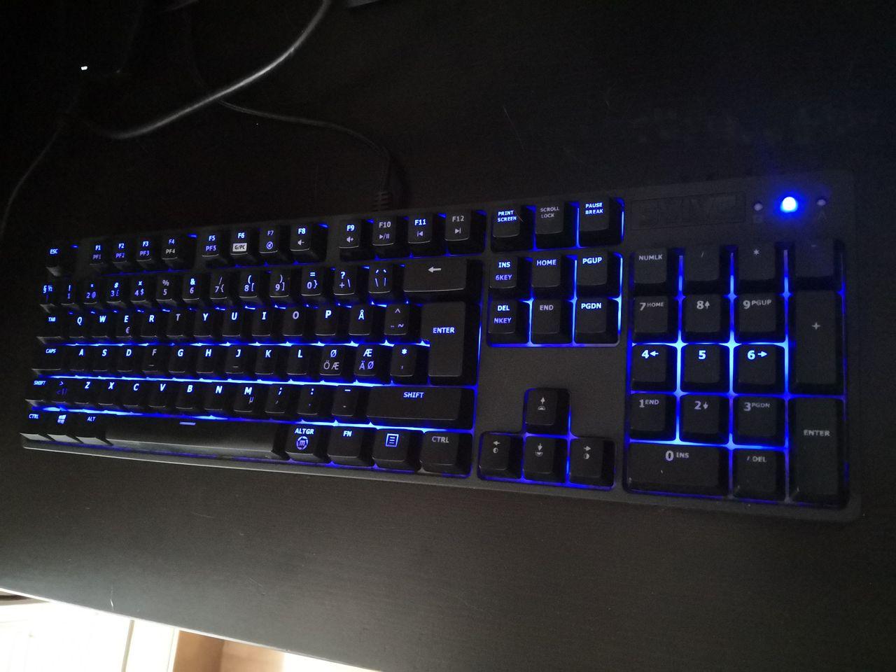 Svive Triton Red Mekanisk gaming tastatur | FINN.no