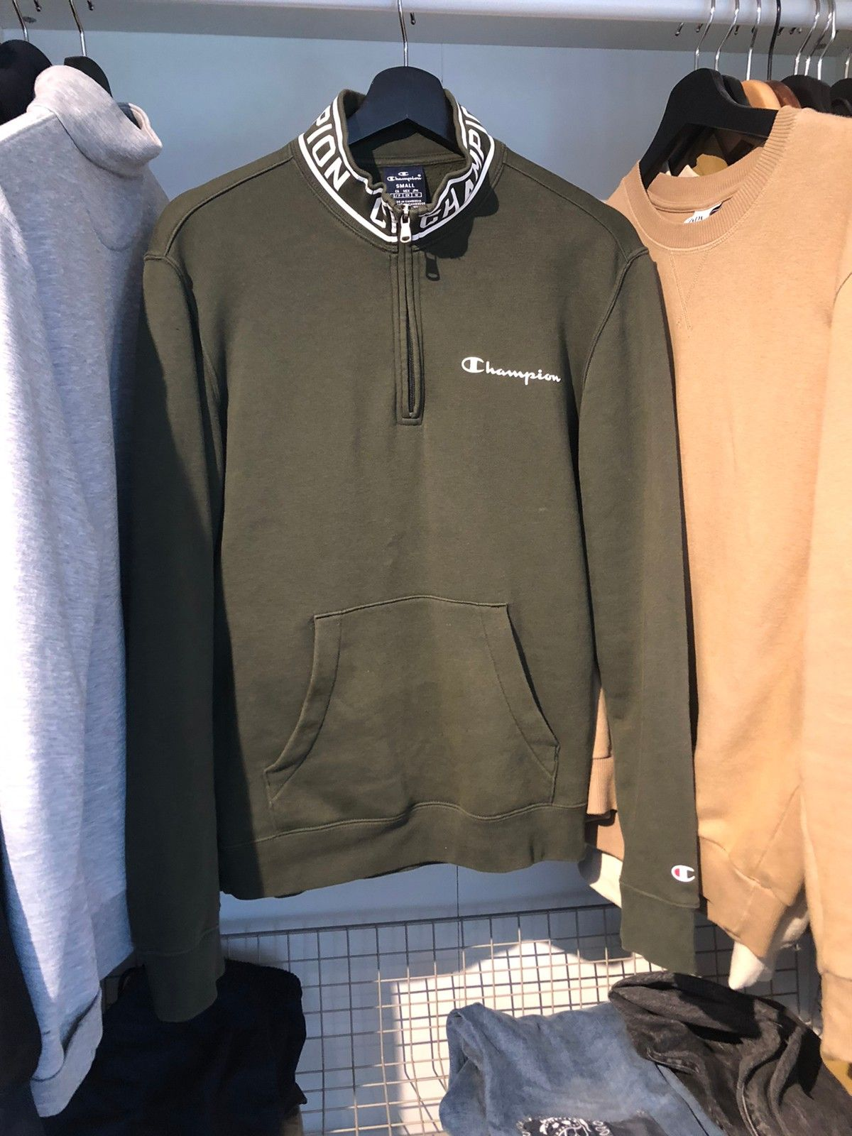 Champion genser selges billig! | FINN.no
